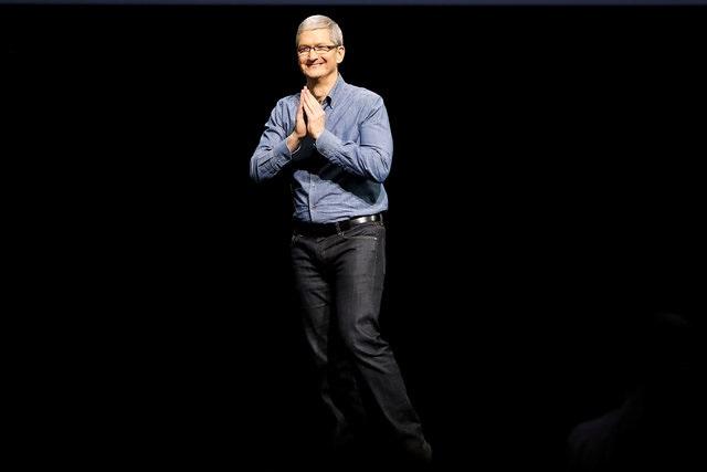 ทิม คุก ซีอีโอแอปเปิลบนเวทีงานประชุม WWDC 2016