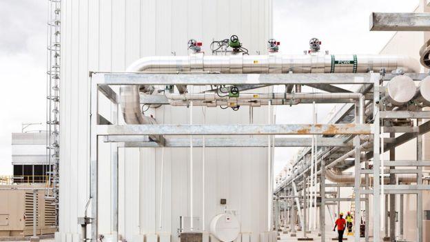 แทงก์น้ำขนาด 1 ล้านลิตรที่ติดตั้งอยู่ภายในสำนักงานของกูเกิล