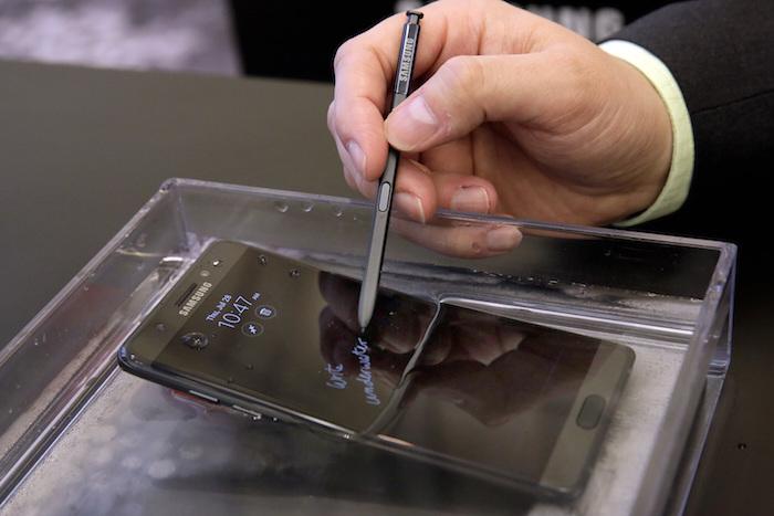 เมื่อแช่น้ำ Galaxy Note7 ก็ยังทำงานได้